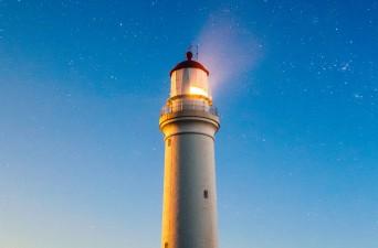 Platon, Leuchtturm